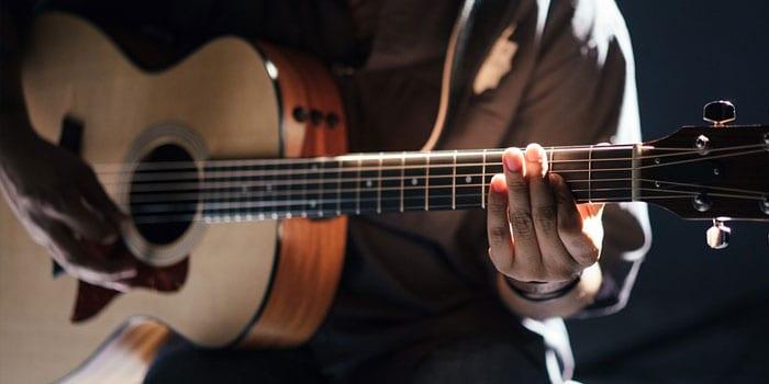 Best Acoustic Guitar Under $2000